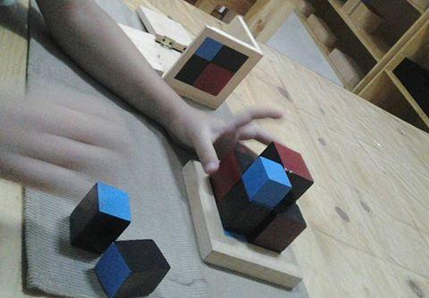 Binomial Cube atau Kotak binomial adalah nama dari kotak kotak menarik ini... Ini adalah satu dari s...